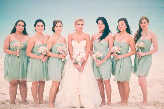 beautiful-turquoise-bridesmaids-dresses