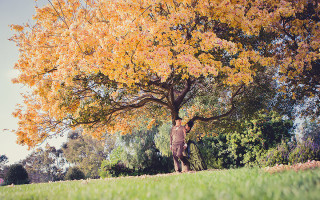 steampunk-themed-engagement-session-under-the-tree